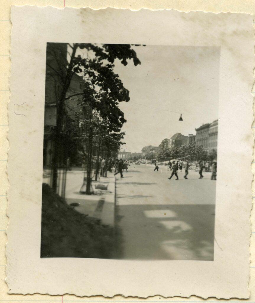 Unter den Linden kruising Friedrichsstrasse, 1944.